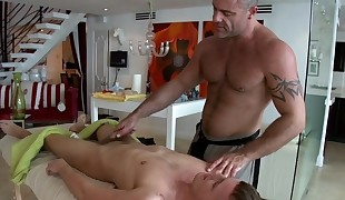 Explicit anal fucking for gracious guy during massage
