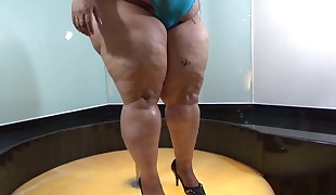Ruby Big Butt Latina Striptease