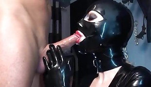 Blowjob in spandex with hefty mouthcum