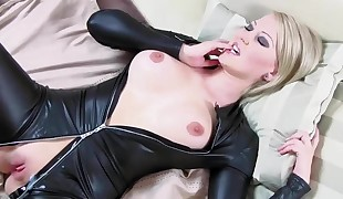 Gorgeous Wifey Cara boned in Leather