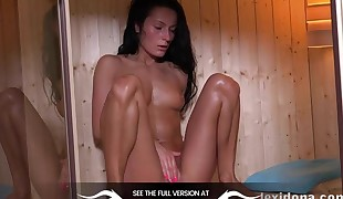 Fit Body - Watch me jack while sweating in the sauna